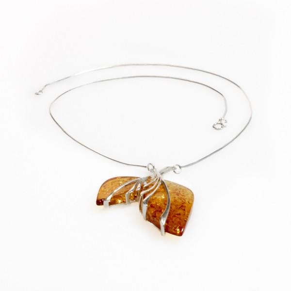 Collier d'ambre miel et argent 925/1000 en forme de feuille