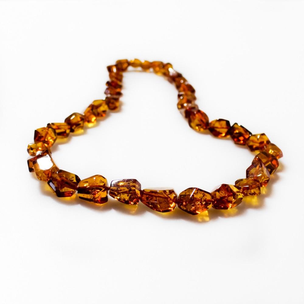 la qualité d'abord En liquidation revendeur Collier d'ambre véritable couleur cognac, taille irrégulière