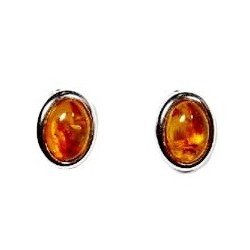 Silver earrings and cabochon oval amber