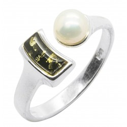 Green Amber Ring, Natural Pearl and 925/1000 Silver