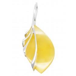 pendentif ambre sur argent en forme de feuille d'arbre