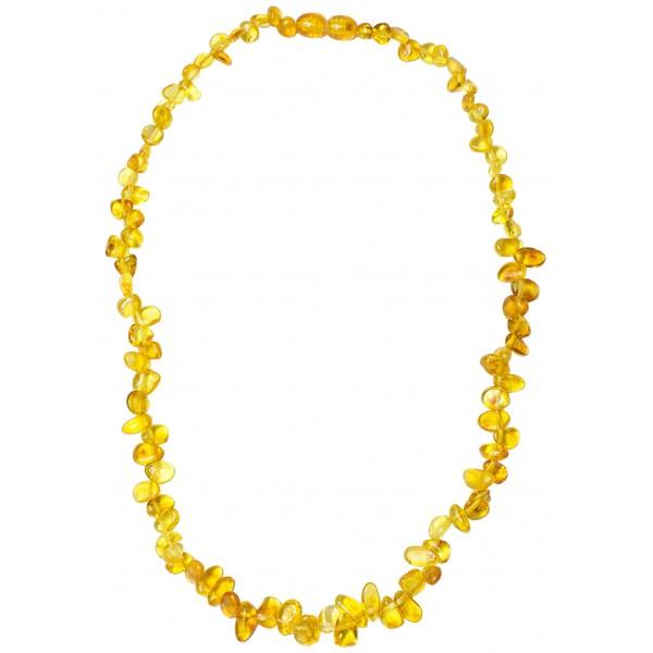 Collier d'ambre en forme de petit pétale couleur cognac