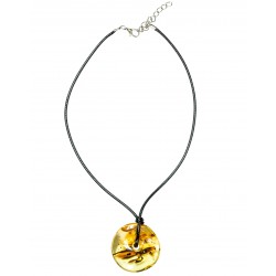Genuine amber pendant with 2 insect inclusions