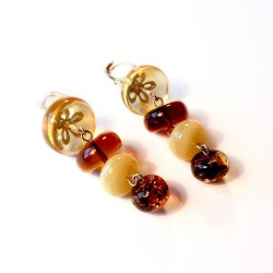 Boucle d'oreille ambre multicolore
