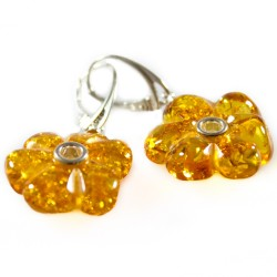 Flower-shaped natural amber earring
